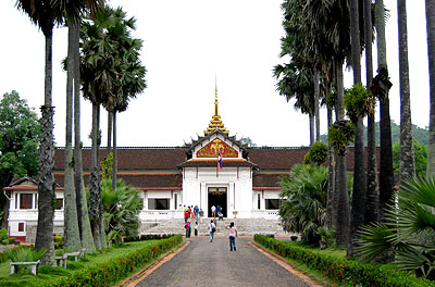 tour-palace-museum-laos-2